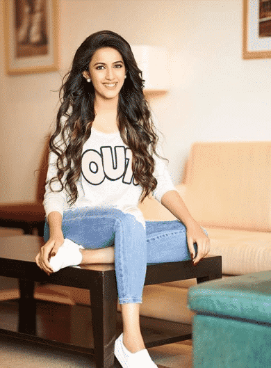 Niharika Konidela HD Wallpaper