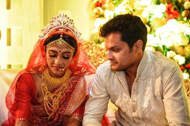 Paoli Dam marriage images with her husband Arjun Dev