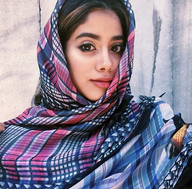 Janhvi Kapoor Wallpaper