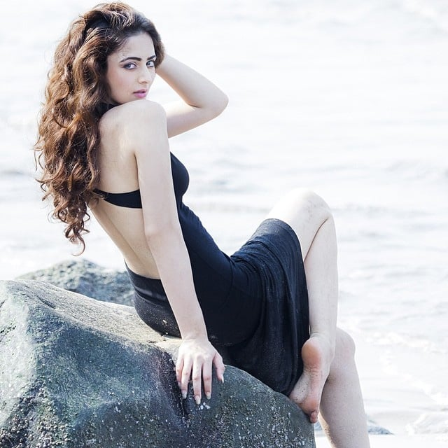 Zoya Afroz Hot Photo